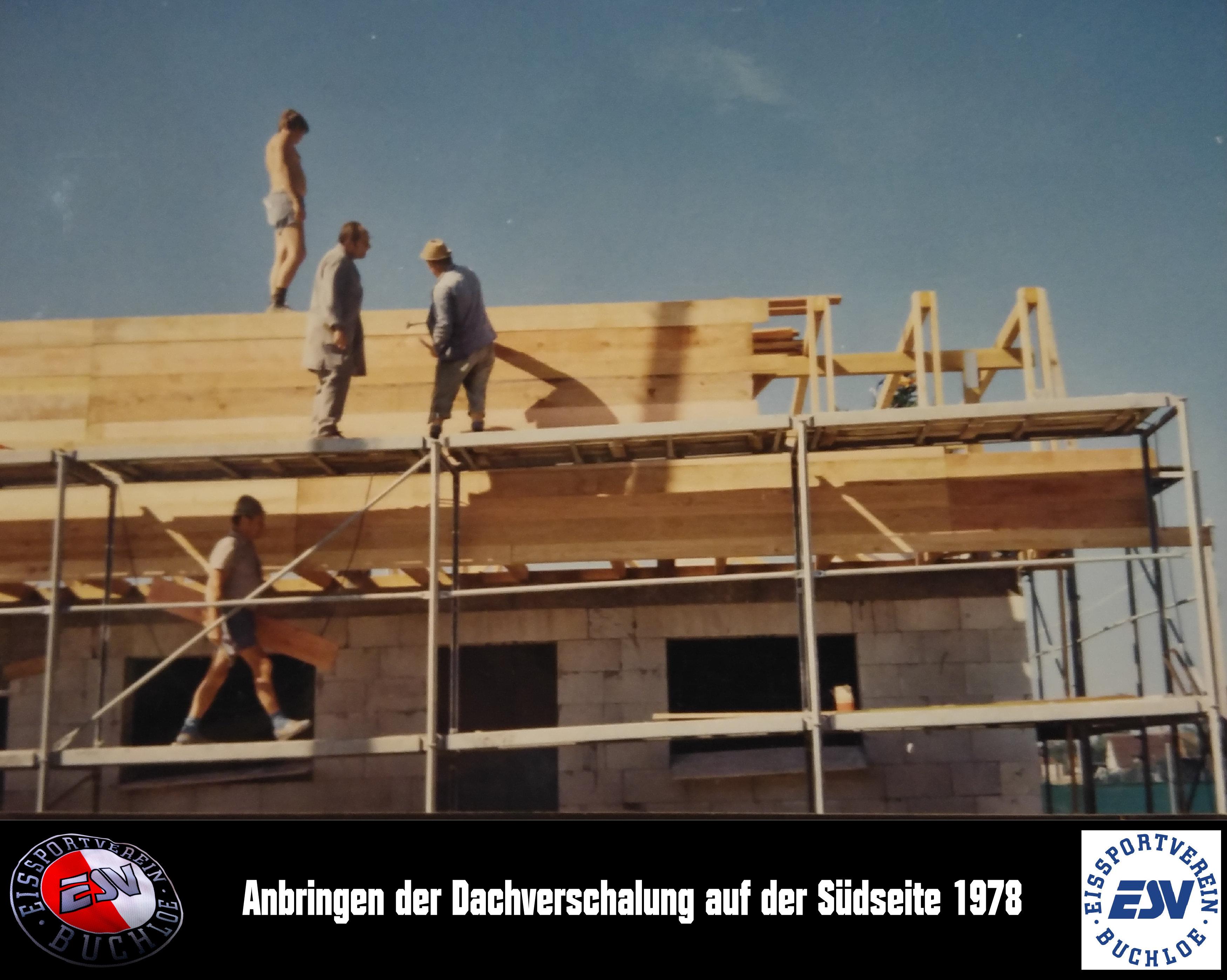 13 Anbringen der Dachverschalung