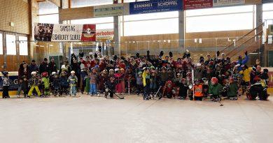 """Viel los beim dritten Buchloer """"Kids on Ice Day"""""""