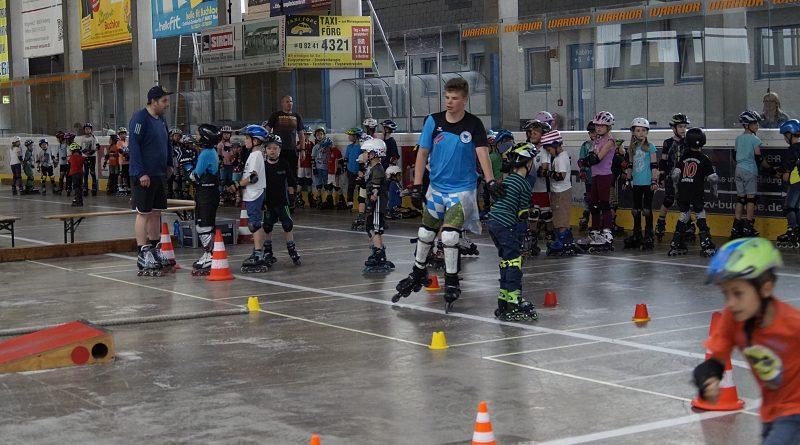 Beliebte Roller- Kids Woche des ESV Buchloe in den Pfingstferien